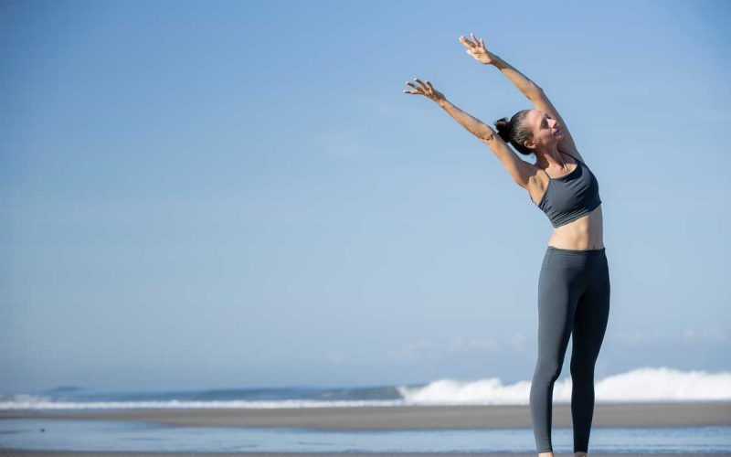 Caroline yoga on the beach